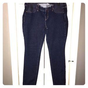 Old Navy Petite Skinny Maternity 👶🏼 Jeans 👖